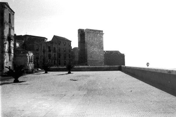 Torre dell'Elefante - 1981 - foto Maurizio Manzo